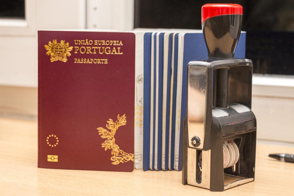חותמות לאישור דרכון פורטוגלי ליוצאי לוב - עו