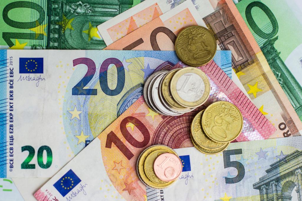 עבודה באירופה השכר ביורו - עו
